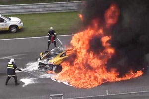 lamborghini huracan crash at 200 mph from hungary. Black Bedroom Furniture Sets. Home Design Ideas