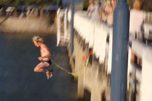 Stupid Bridge Jump