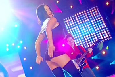 Sexy Alizee Sings J'en Ai Marre