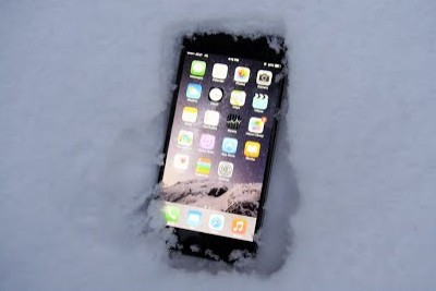 Will iPhone 6 Plus Survive Buried in Snow?