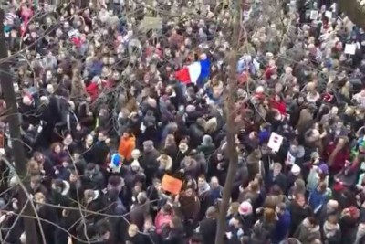 """Imagine"" Song by John Lennon Played to Protesters in Paris"