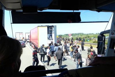 French Rioting Migrants Occupy Truck That Is Going To United Kingdom