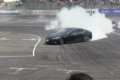 Professional Japanese Drifter Tries And Drifts New Tesla Model S