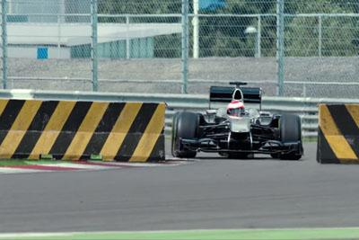 Formula 1 Professional Driver Takes A Brutal Challenge