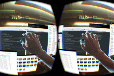 The Future Is Near! This Guy Uses The Oculus Rift To Create Virtual Surroundings!