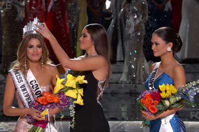 Steve Harvey Fails Hard When Crowning The Miss Universe 2015