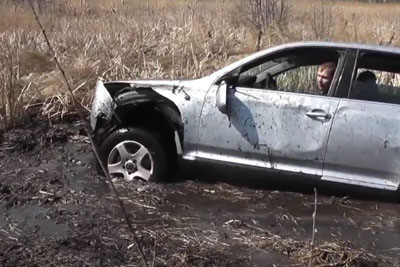 Crazy Russians Show Us The Way How To Destroy VW Touareg