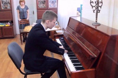 When I See This Russian Guy Playing Piano, The Tears Just Fall Down My Cheeks