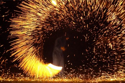 A Steel Wool Firework In Super Slow Mo Is A Hypnotically Beautiful Light Show