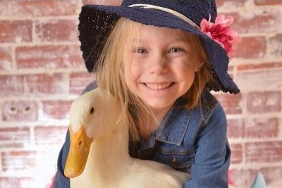Little Girl Calls For Duck - Even Her Parents Were Shocked At His Amazing Response