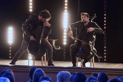 """Guys From 2CELLOS Nail """"Whole Lotta Love"""" And """"Beethoven 5th Symphony"""" Mashup"""