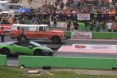 Drag Race Between Lamborghini And Farmtruck Will Left You Speechless
