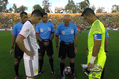 During Coin Toss Between Paraguay And Colombia, The Coin Fell Straight Up