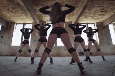 Spanish Hot Girls Twerking