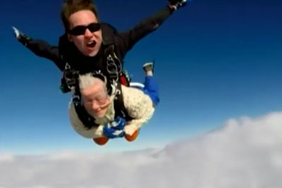 Grandma From Australia Made A Big Wish Come True For Her 100th Birthday - To Jump Out Of A Plane