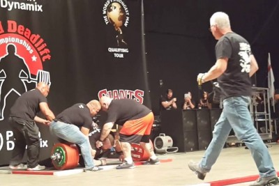 Brit Strongman Becomes A First Human To Deadlift Half A Ton But He Nearly Killed Himself