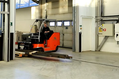 Take A Look At Awesome New Concept Of A Forklift