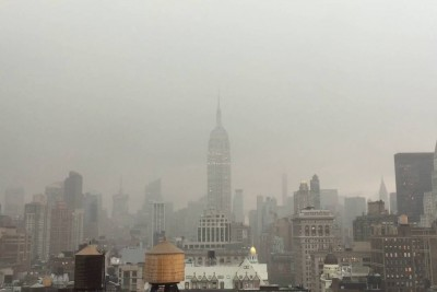 Amazing Footage When Lightning Forks Right Into An Empire State Building In Manhattan