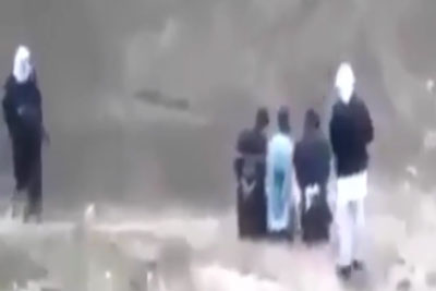 About To Be Executed By ISIL, Man Grabs An AK From His Guard And Commences A Firing