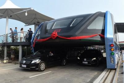 China's Futuristic 'Straddling Bus'