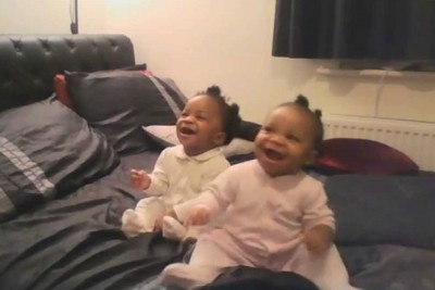 Baby Girls Burst Into Laughter At Mommy's Singing