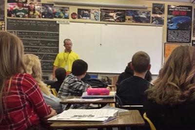 Teacher From Lake Hazel Middle School Boise In Idaho Dives Out Of Window