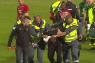 Fan Brutally Attacks A Goalkeeper After He Breaks Onto Pitch