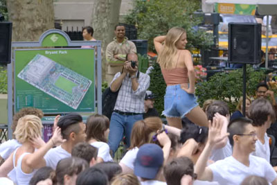 100 Dancers Were Waiting In A Park For Their Dance Captain, Then This Happened