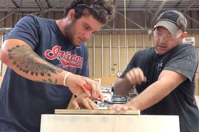 Carpenter Pranks His Apprentice In Most Hilarious Way And Everyone Is Laughing About It