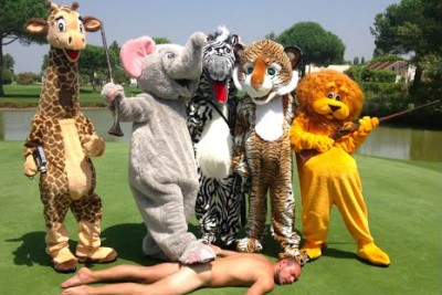 Crazy Remi Gaillard Makes Everyone Laugh Again With New Epic Safari Prank