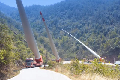 This Is How They Move Around Wind Turbine Blades In China
