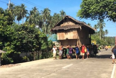 This Is How People Move House On Philippines