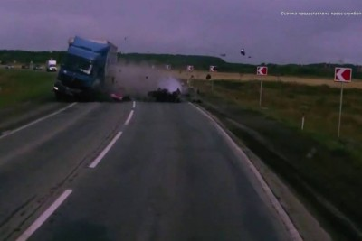 This Deadly Overtaking Accident Will Make You Think About Overtaking In Turn