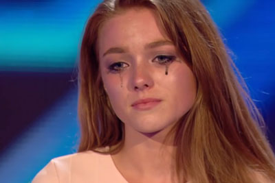 Nervous Teen Is The Last Contestant, Collapses Onstage In Tears When She Hears Simon's Critique
