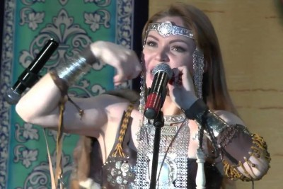 Goosebumps Will Cover Your Body When You Will Watch This Russian Girl Perfoming Wildlife Voices