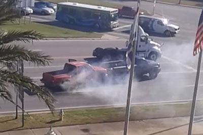 Truck Rear Ends Another Truck And Gets Stuck - This Is The Sweetest Road Rage Ever