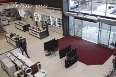 Customer Makes More Than $6000 Worth Damage In Just A Second