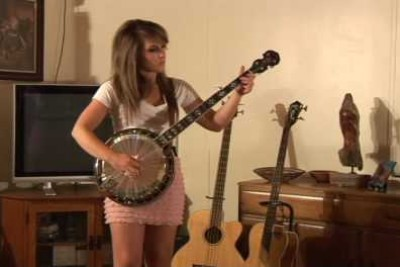 I've Never Expected Something Like This After This Girl Took A Banjo In Hand