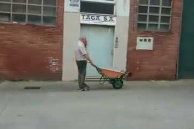 When You Will See What This Old Man Did To His Wheelbarrow You Will Be So Excited
