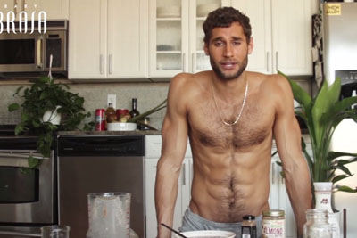 This Hot Male Chef Is Making Every Woman Wet