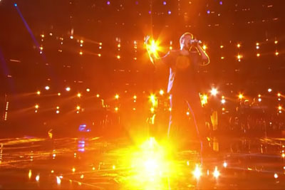 """Billy Gilman Impresses The Coaches With Roy Orbison's """"Crying"""" On The Voice"""