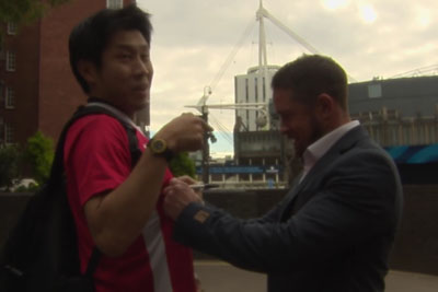 Japanese Rugby Fan Meets His Sporting Hero Shane Williams And He Goes Crazy