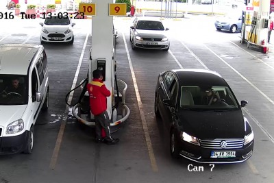 Woman Fails Hard When Trying To Reverse Her Car At Gas Station