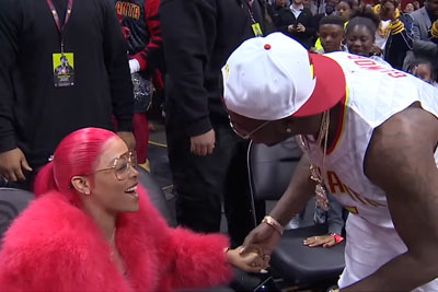 American Rapper Gucci Mane Proposes To Keyshia Ka'oir At Hawks Game