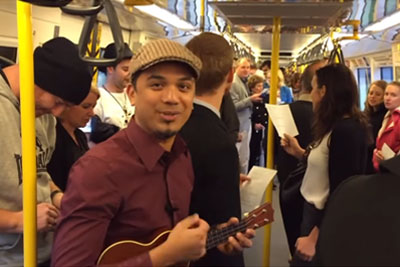 "Train Passengers Sing ""Over The Rainbow"" To Start Day Better"