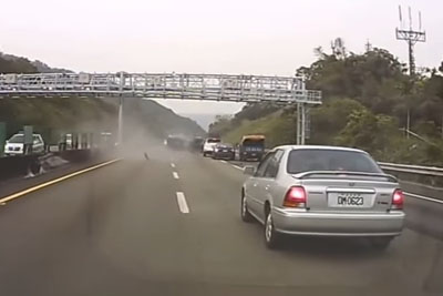 Car In Taiwan Loses Control Due Stupid Driver, Overturns And Crashes Hard