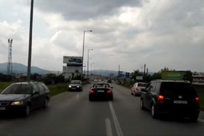 Stupid Mercedes Driver Blocking Ambulance In Emergency