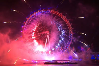 This Is How London Fireworks Looked Like For New Year's Eve
