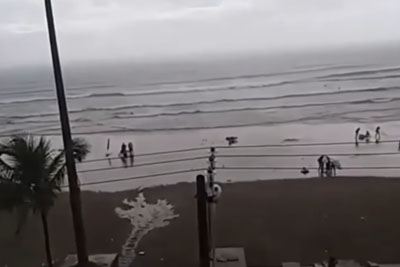 She Was Making A Video, Then One Woman Gets Hit By A Lightning At Beach