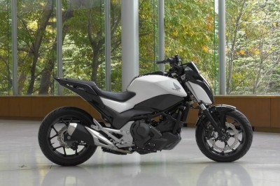 Honda Made A Riding Assist That Is Balacing A Motorcycle All By Itself
